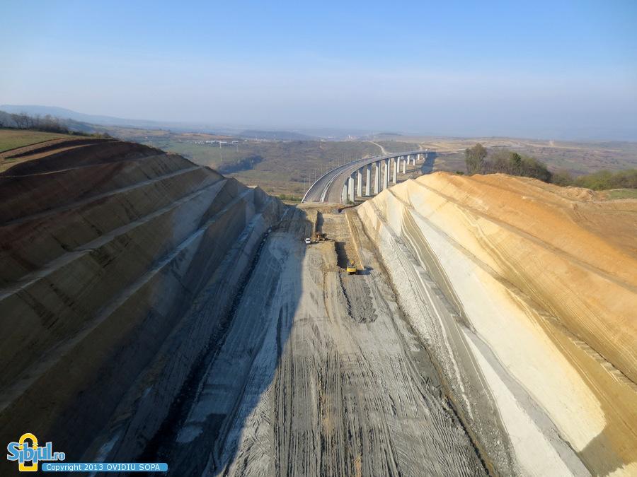 2-autostrada-a1-orastie-sibiu-tunel-aciliu-km-64-noiembrie-2013-745654698